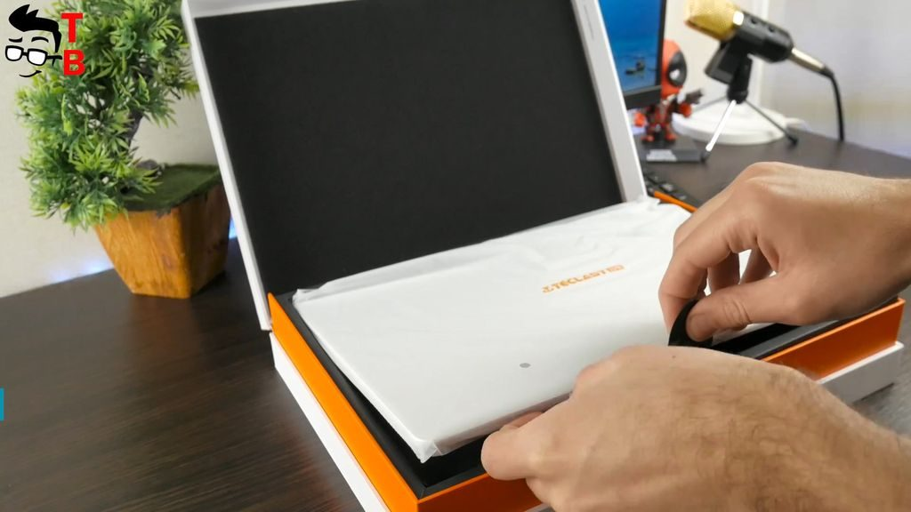 Teclast F7 REVIEW unboxing inside the box