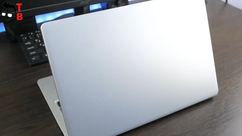 Teclast F7 REVIEW clear front panel