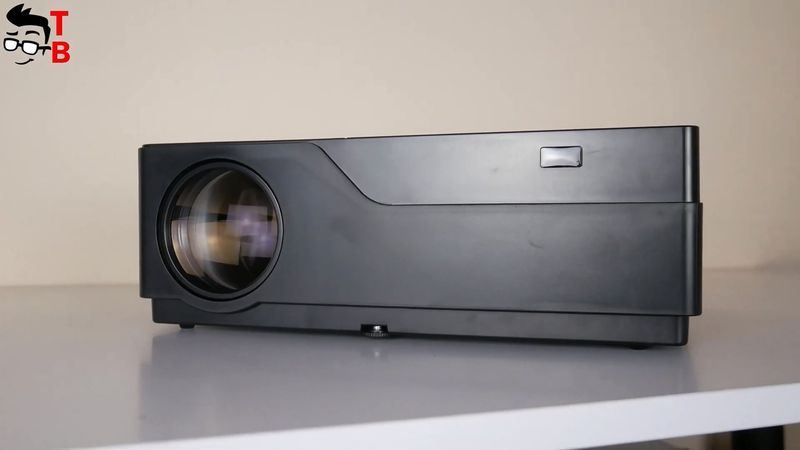 A new projector is equipped with 5W Dolby speaker. In my opinion, the sound is very good. It is also very loud, and it doesn't growl at high volume.