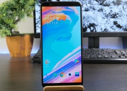 OnePlus 5T Review: THIS IS NOT THE BEST PHONE OF 2017 (but very close)
